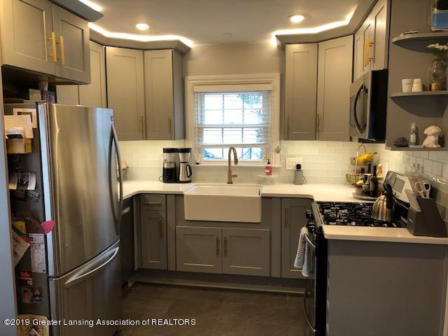 610 Glenhaven Ave - Kitchen - 11