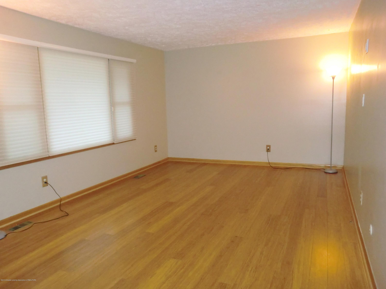 5437 Faith Cir - Living Room - 6