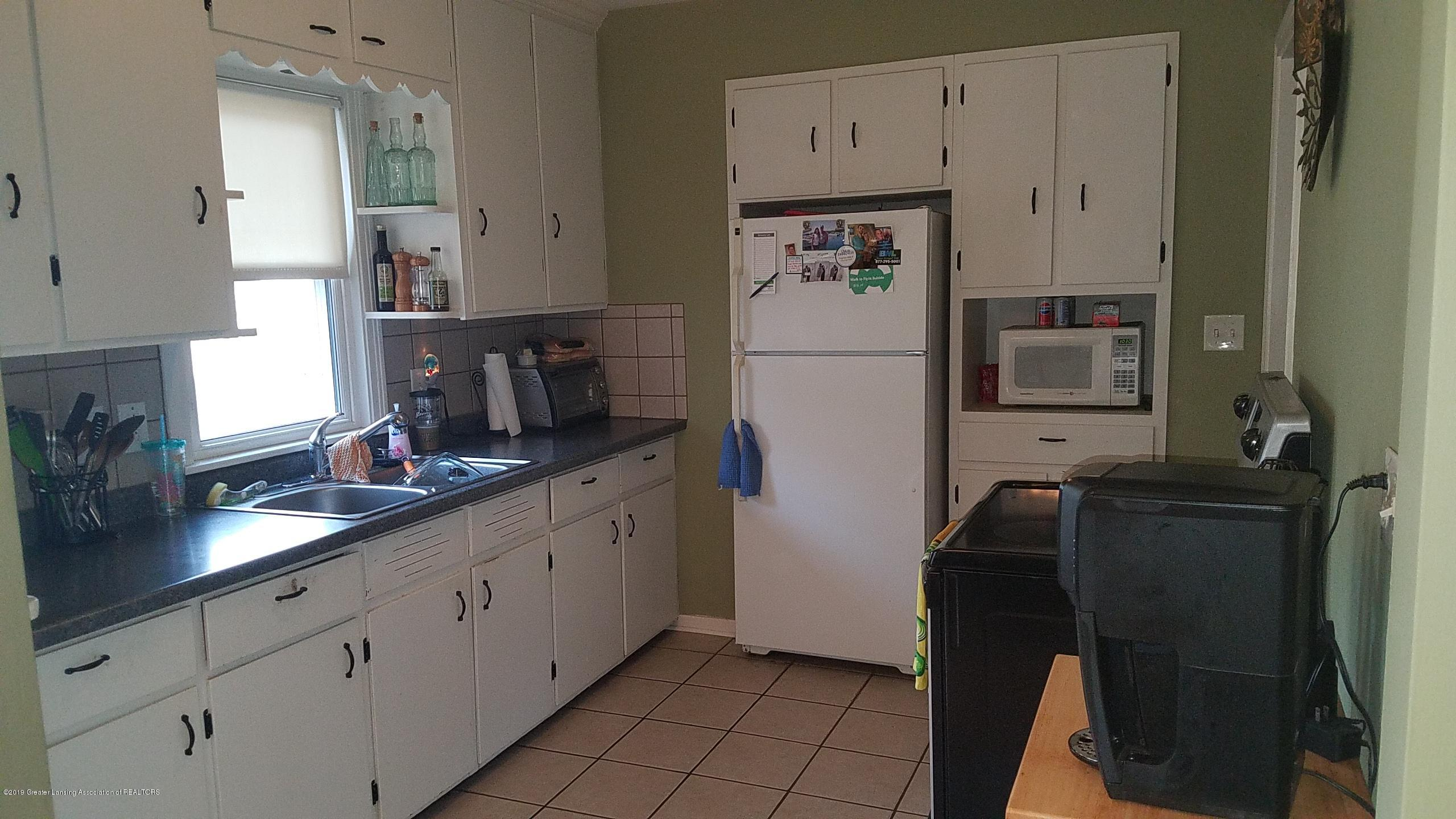 1406 W Rundle Ave - Kitchen - 7