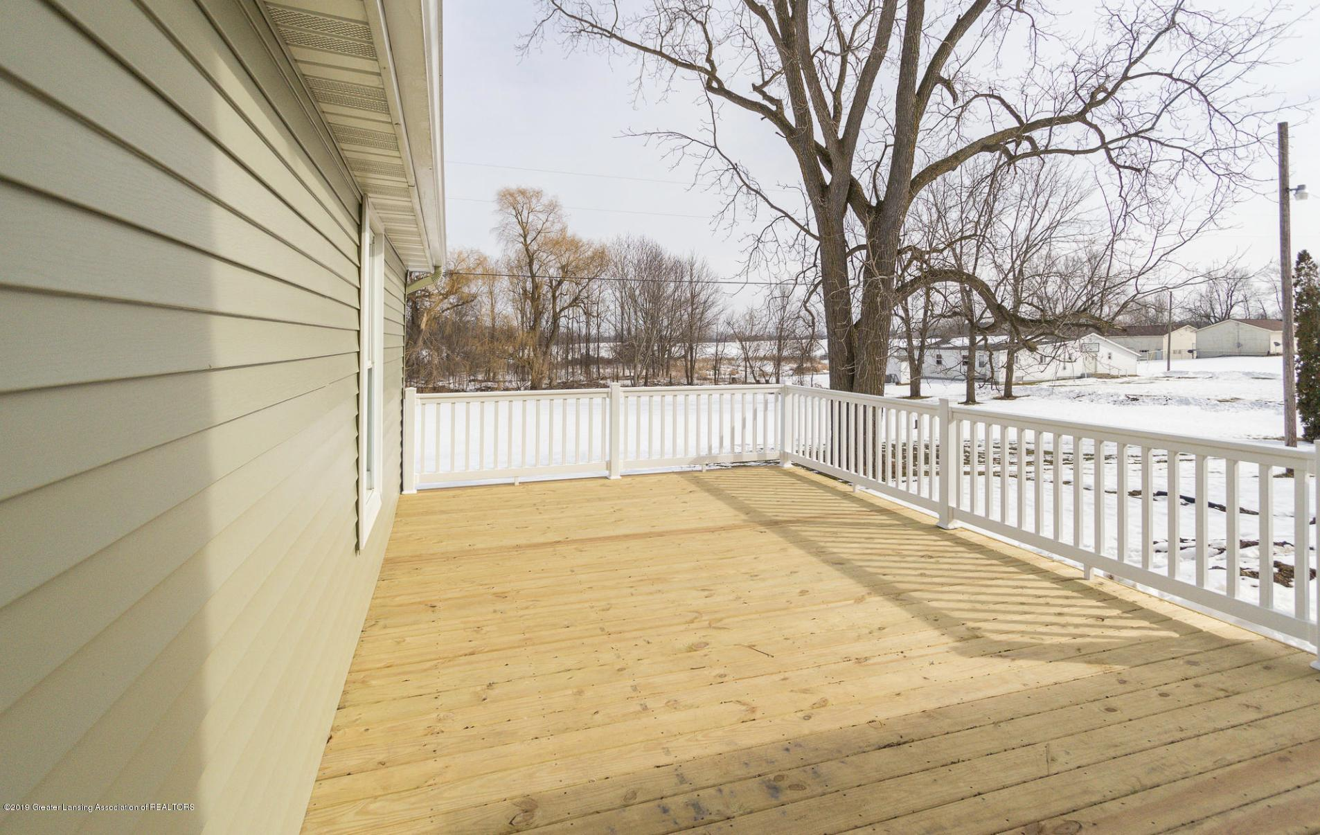 1647 S Royston Rd - Back deck - 45