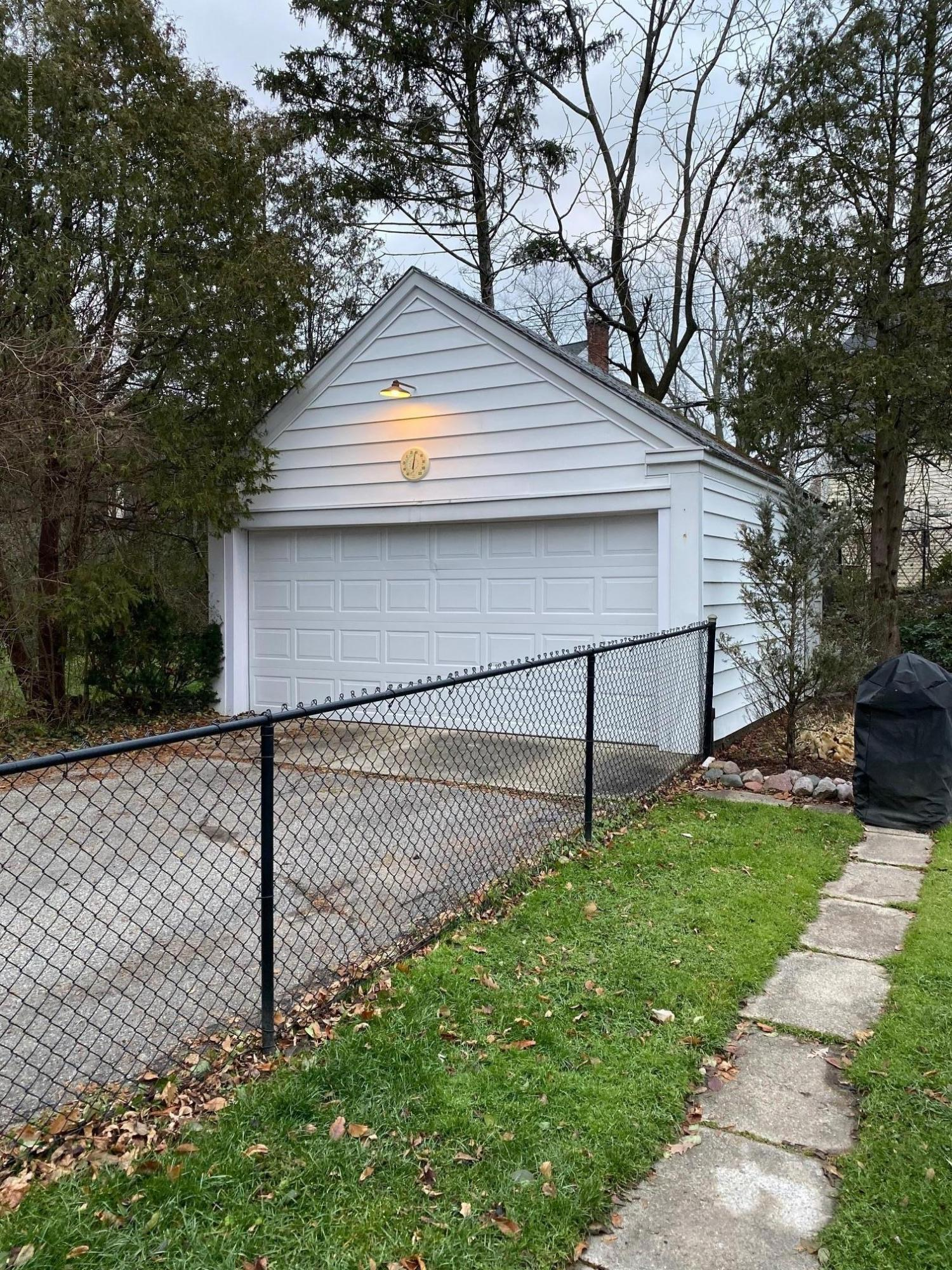 610 Glenhaven Ave - Garage - 33