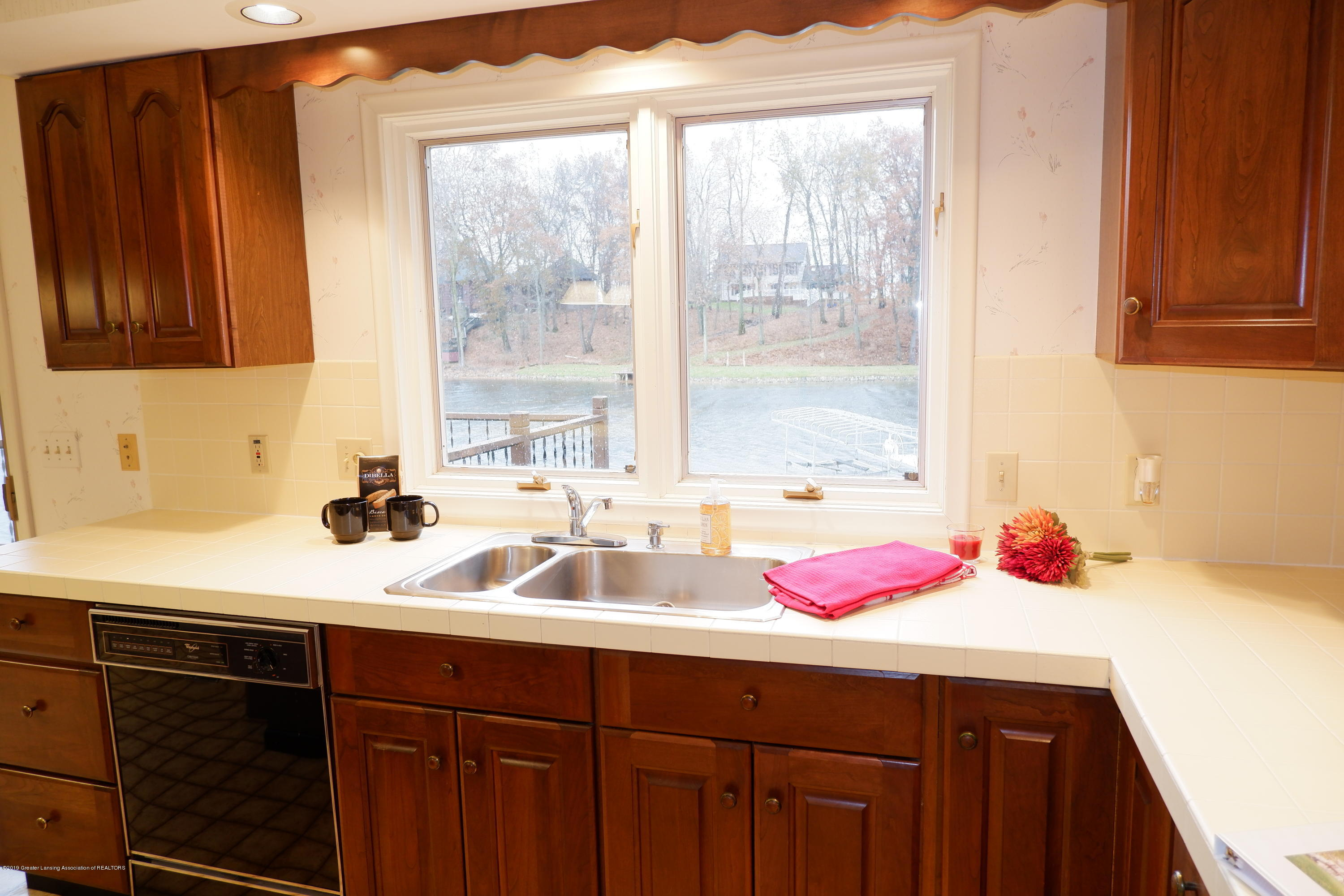 8933 W Scenic Lake Dr - Window over sink - 14