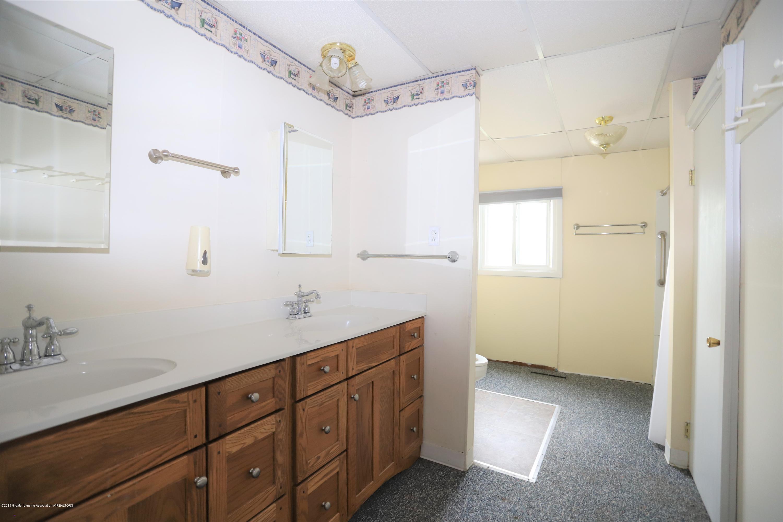 1825 S Osborne Rd - Bathroom - 7