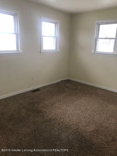 1050 W Lawrence Hwy - bed12044LIST - 15