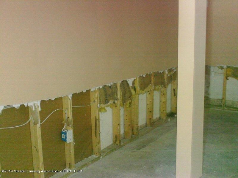 1050 W Lawrence Hwy - basement12041LIST - 28