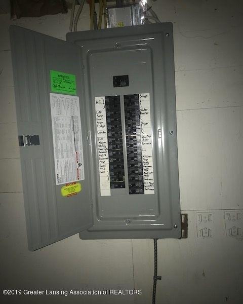 1050 W Lawrence Hwy - elecpanel1204LIST - 32