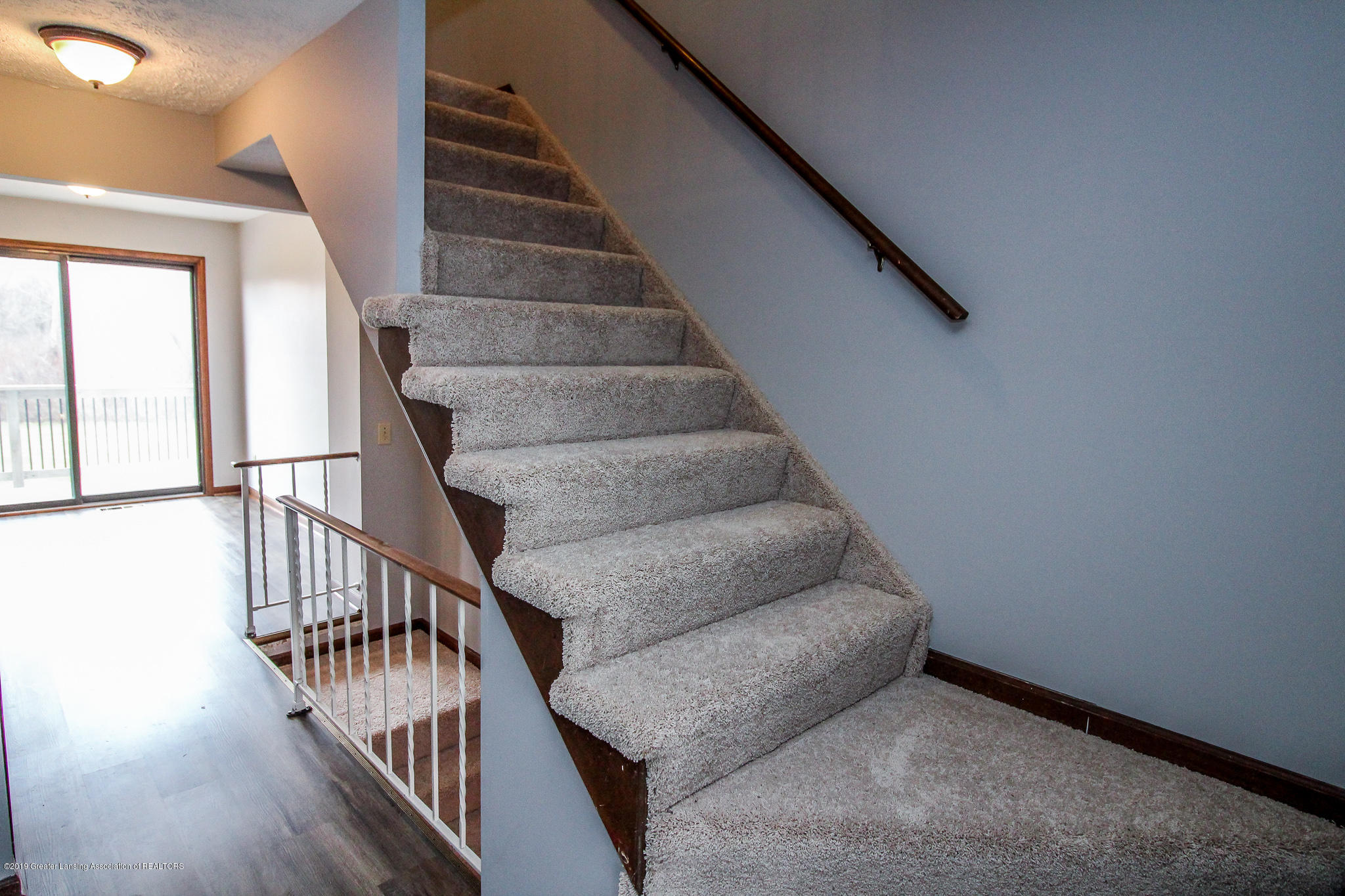 130 Park Meadows Dr - Staircase to Upper Level - 18