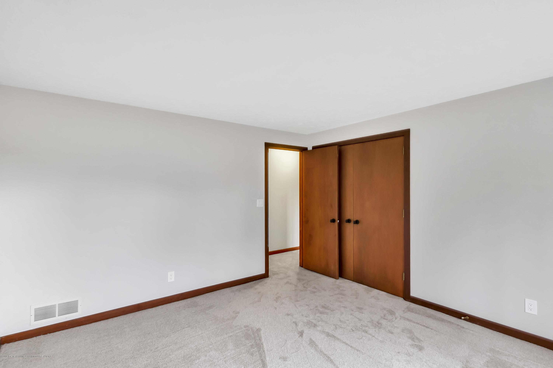 13606 E Kathleen Ln - 13606-East-Kathleen-Lane-WindowStill-Rea - 40