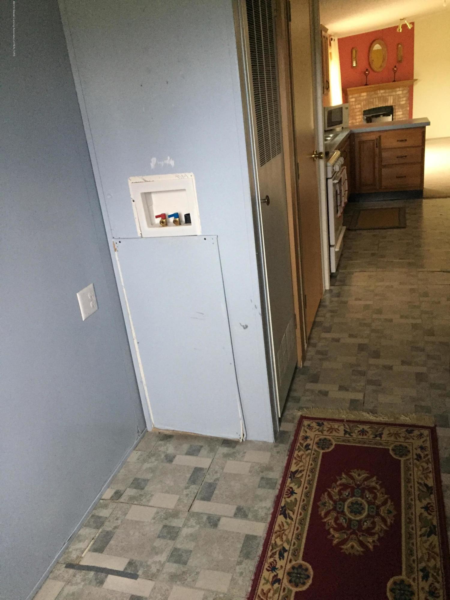 7201 S Ruess Rd - 7201 Laundry - 8