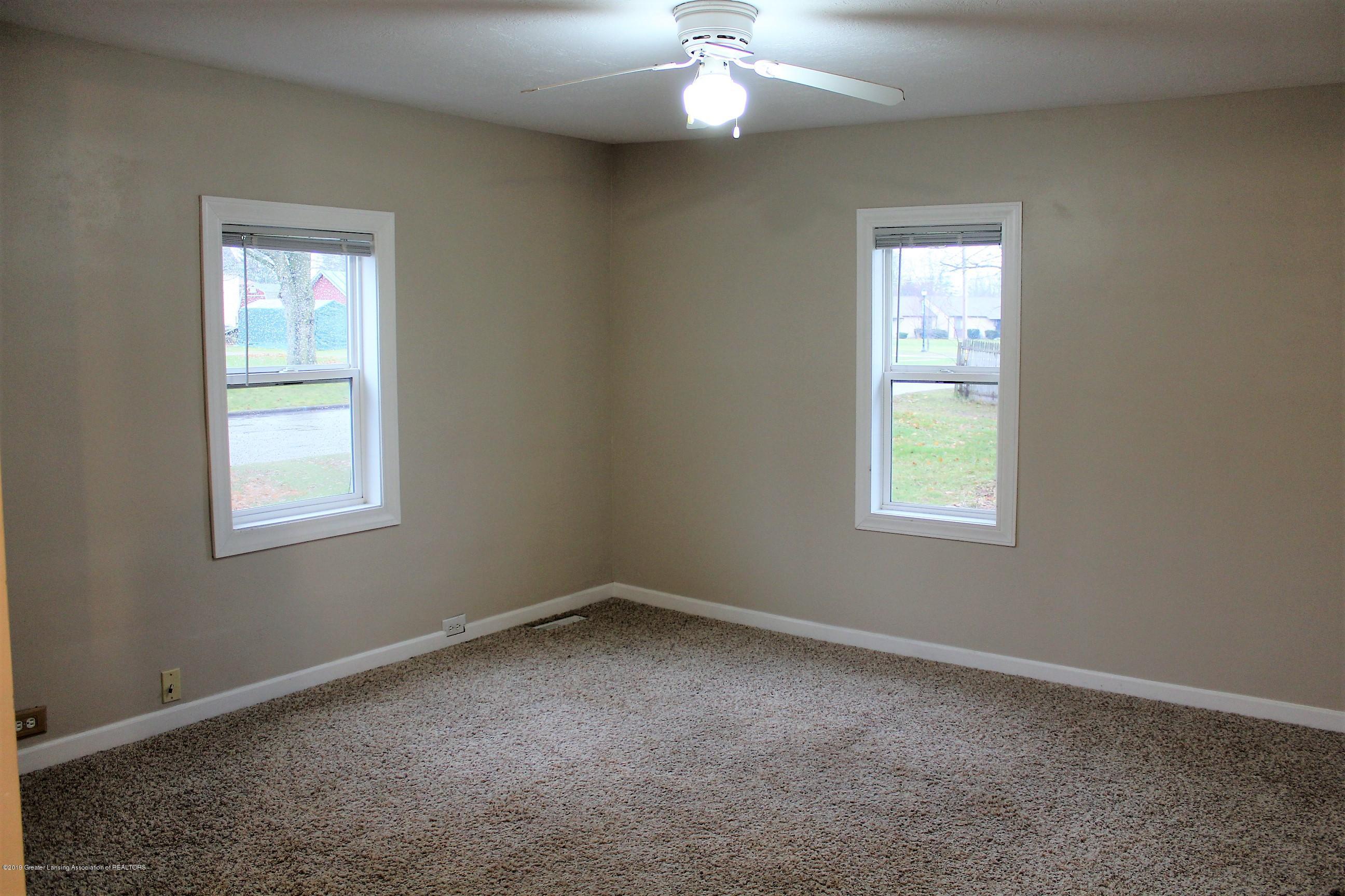 1423 Harrison St - Living Room - 5