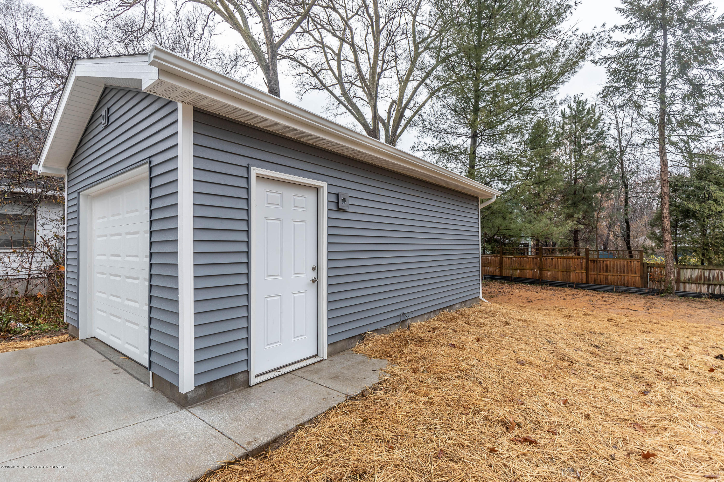 1204 Wolf Ct - wolfback - 23