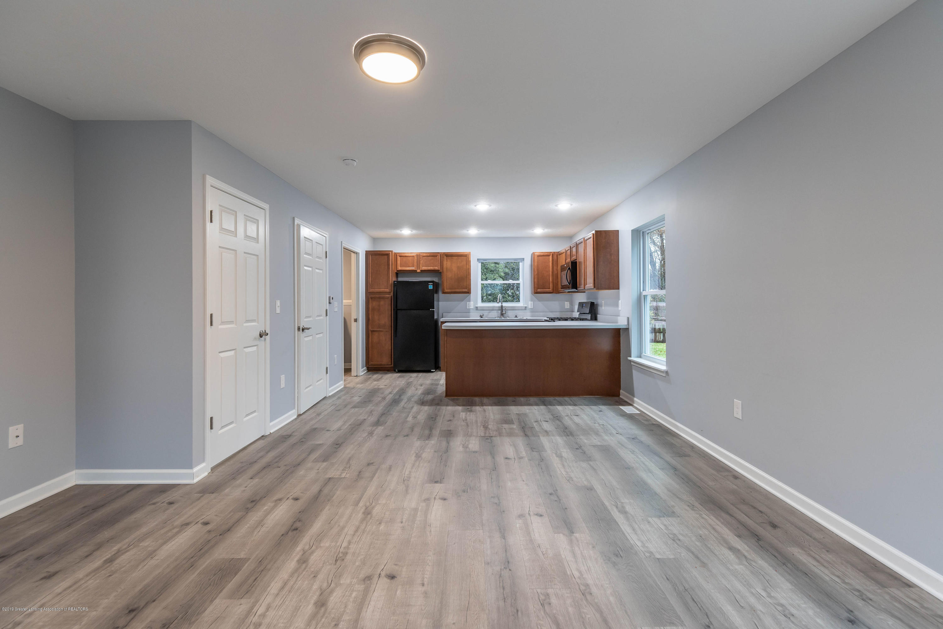 1204 Wolf Ct - wolfliving2 - 5