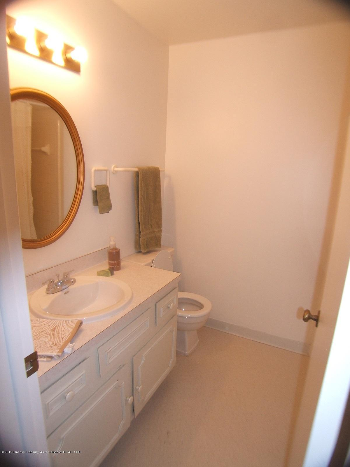2934 Mt Hope Rd 01 - Bathroom Staged - 17