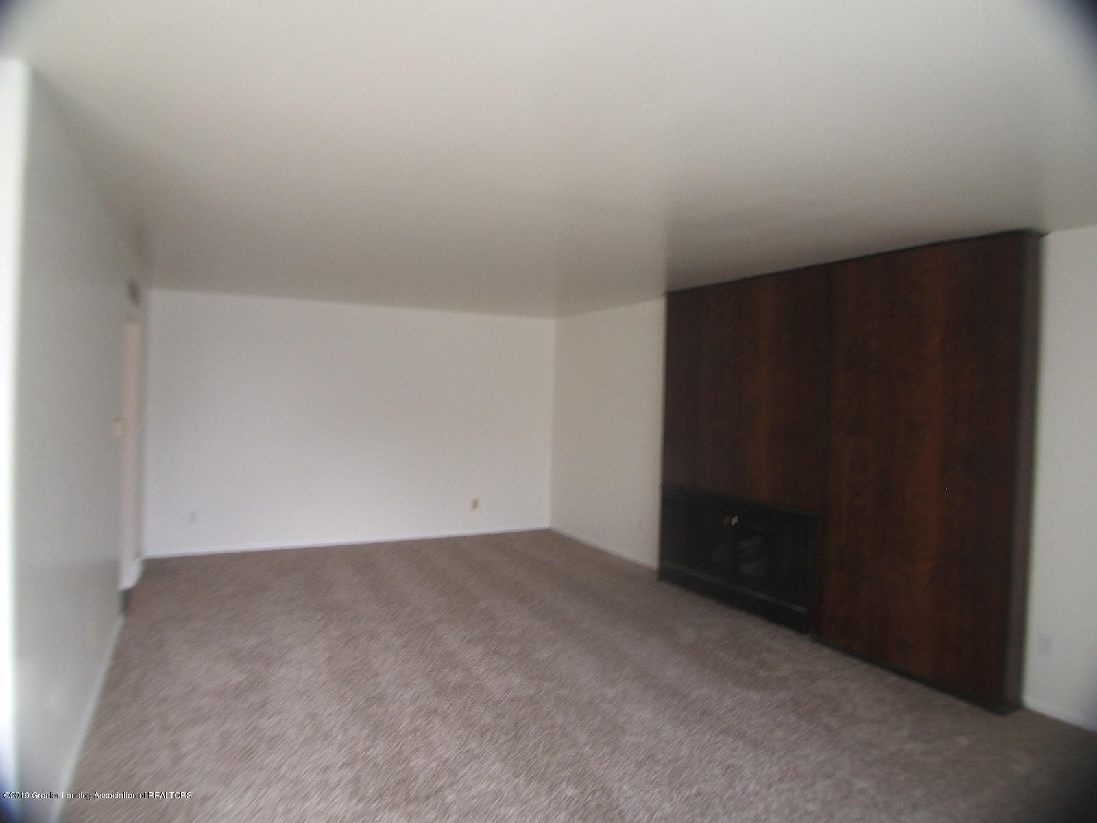 2934 Mt Hope Rd 01 - Living Room - 5