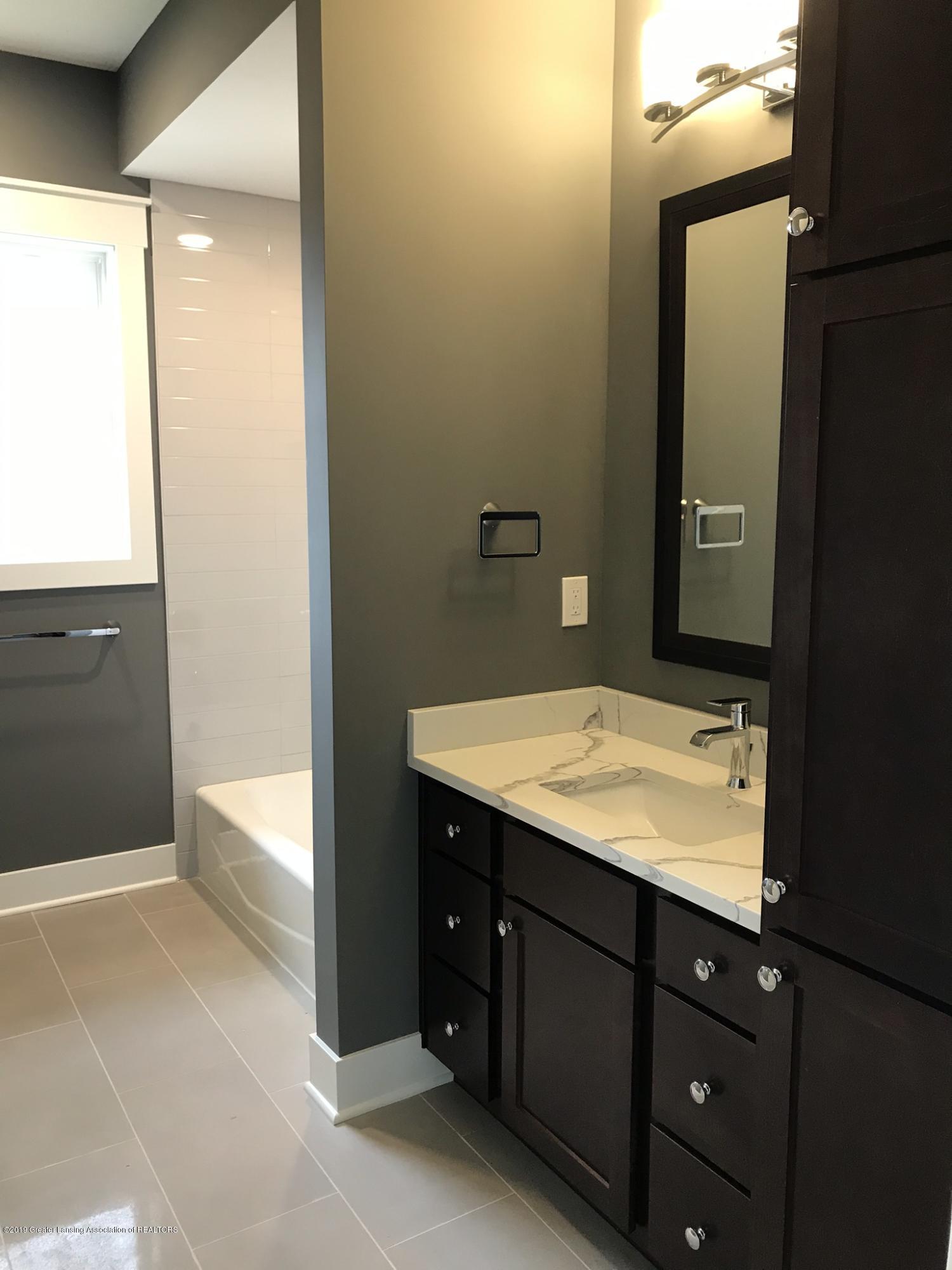 2156 Fresno Lane - Bath 2/ Powder Bath - 22