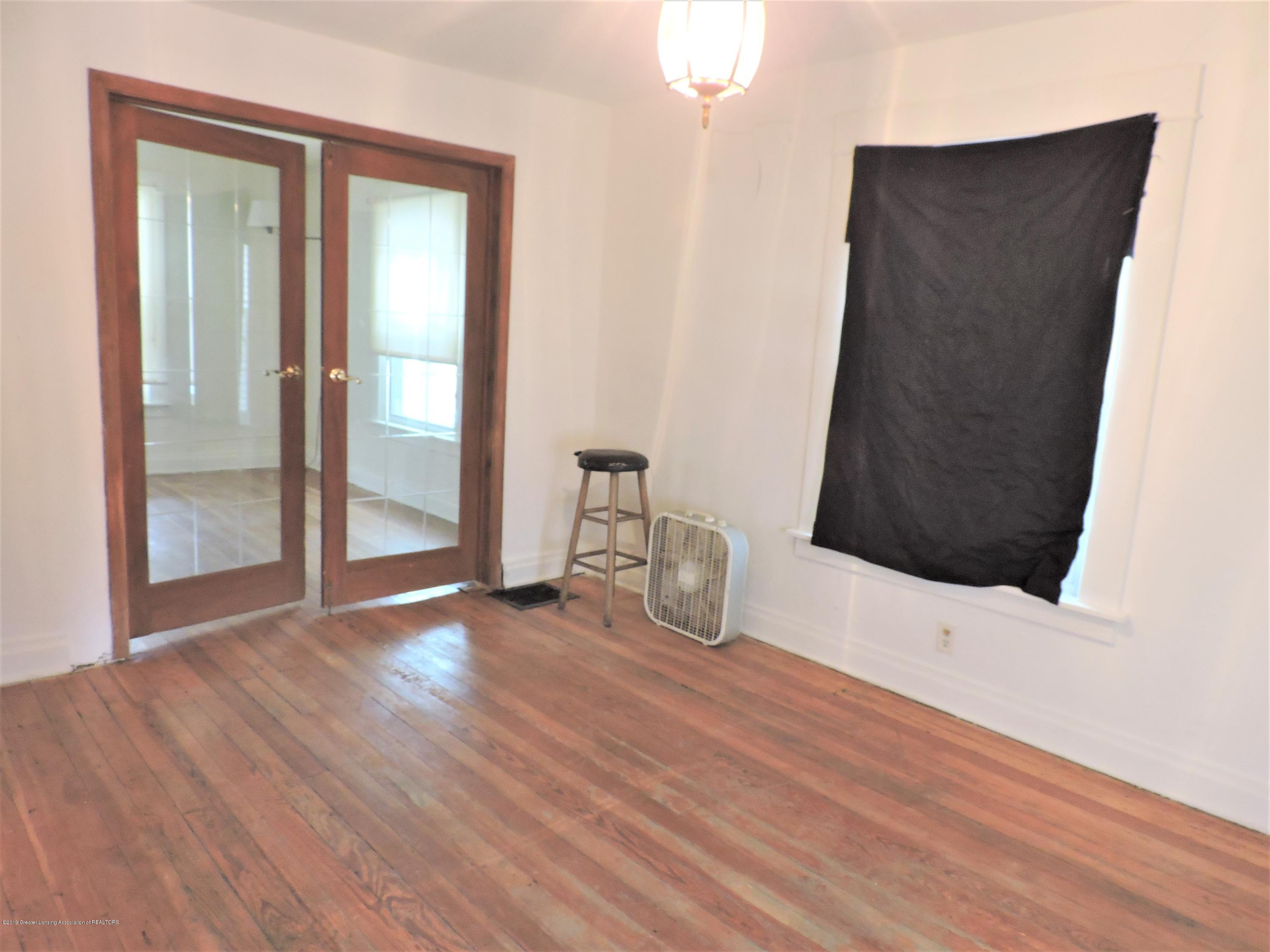 215 N Foster Ave - Dining Room 2 - 6