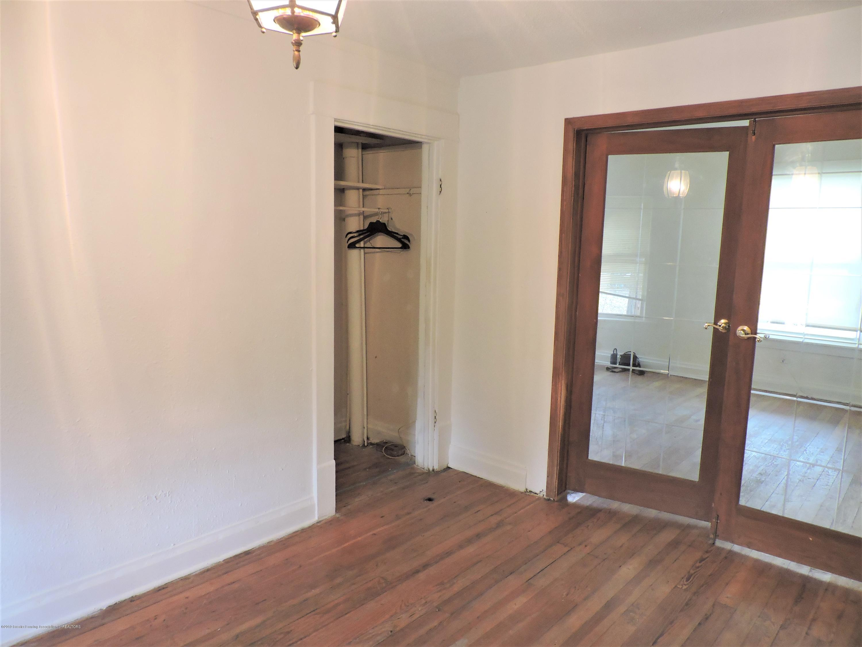 215 N Foster Ave - Dining Room closet - 16
