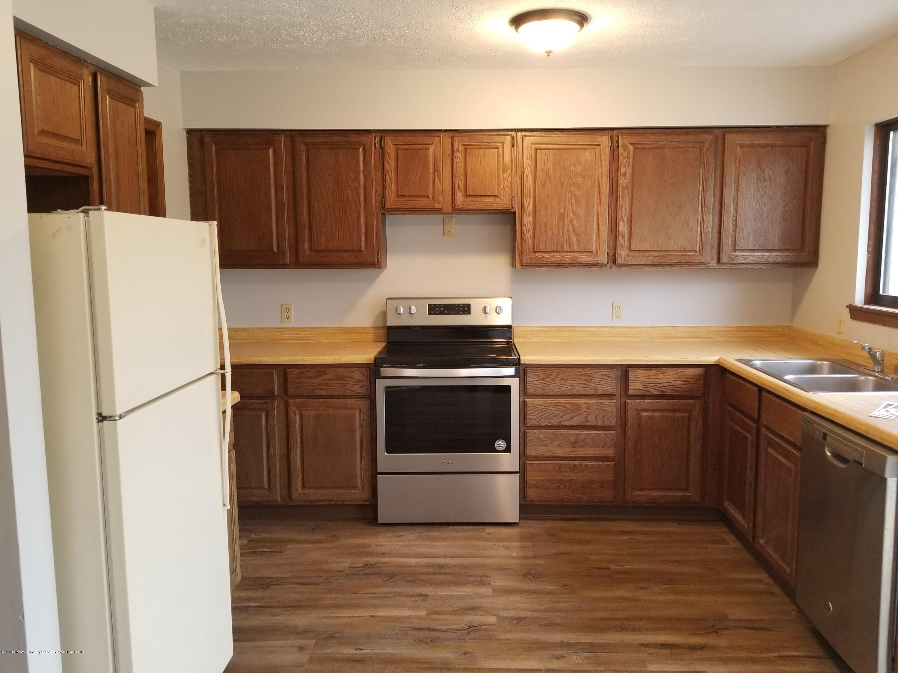 130 Park Meadows Dr - New Stainless Stove - 38