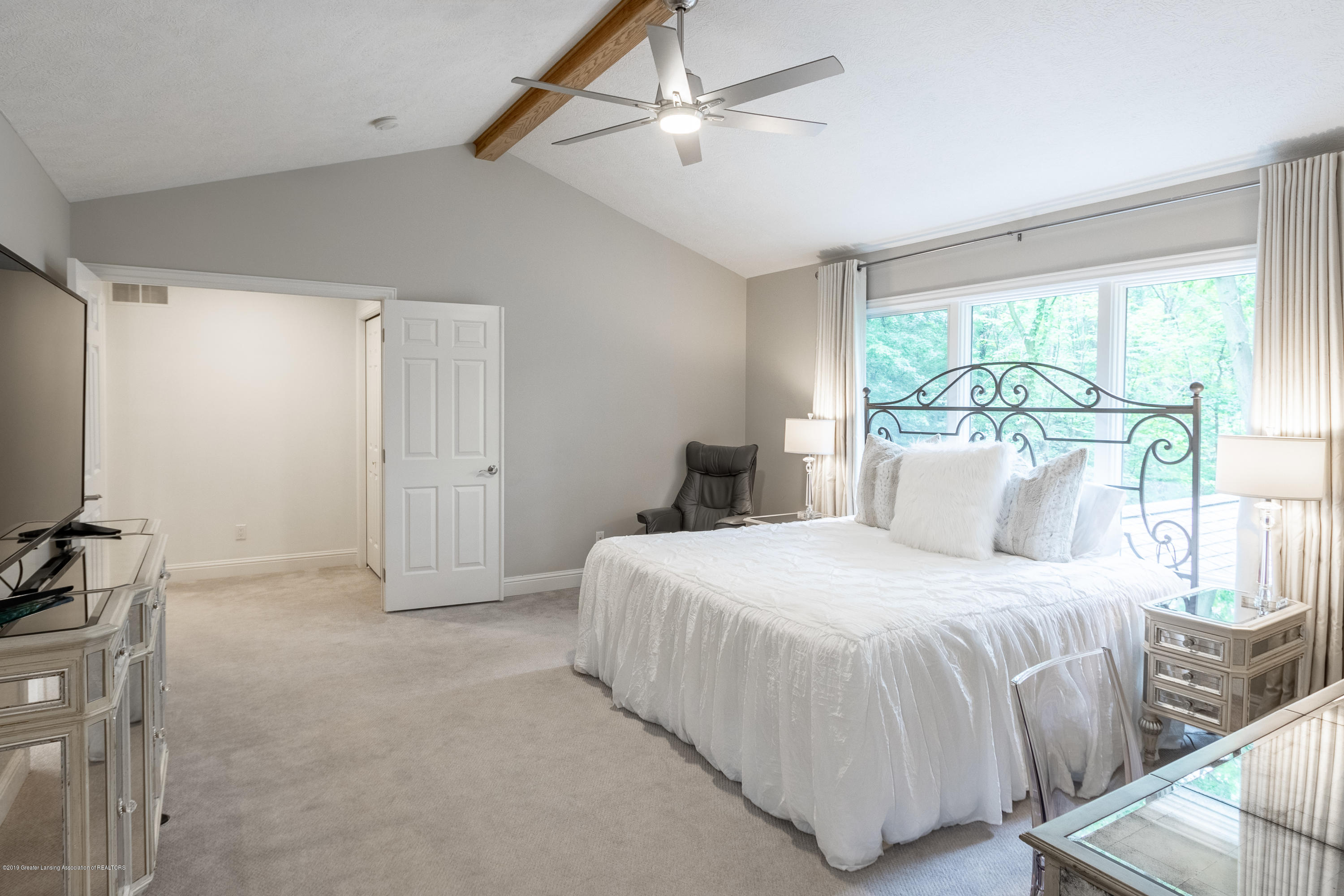 3700 Beech Tree Ln - MASTER BEDROOM SUITE - 41