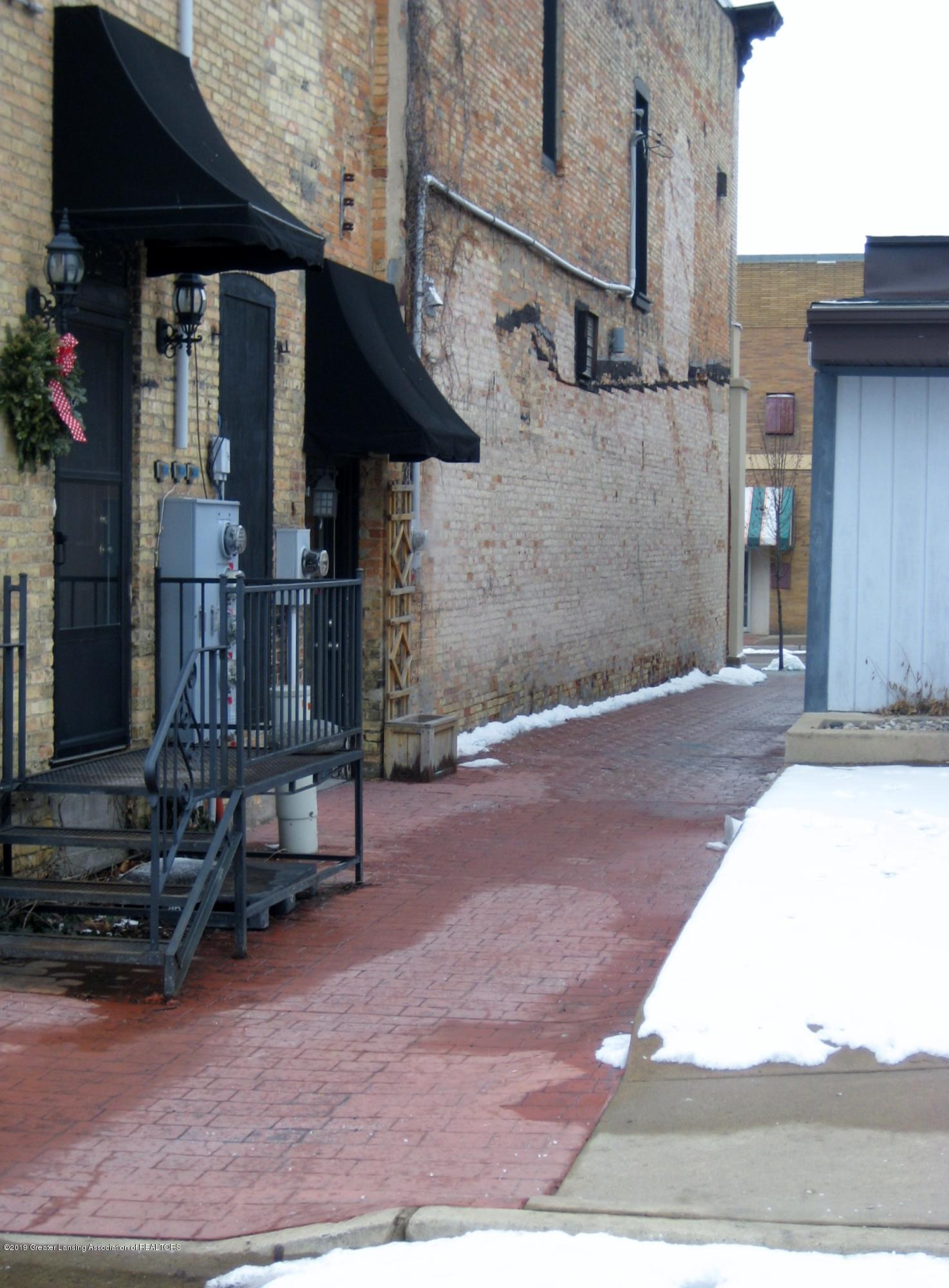 110 E Bridge St - Side Alley with side enterance - 3