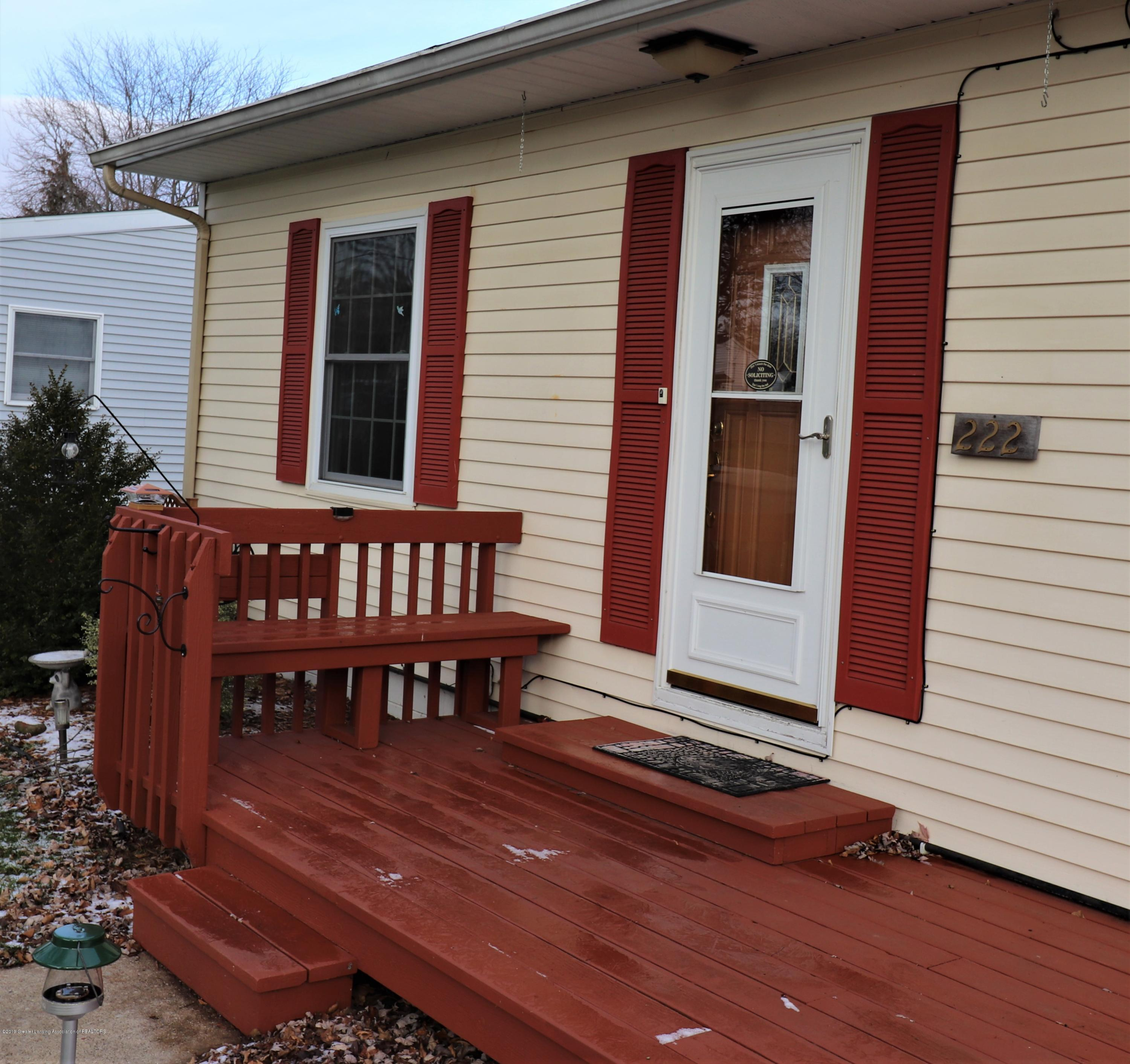 222 Dawn Ct - 25 EXT Bench - 26