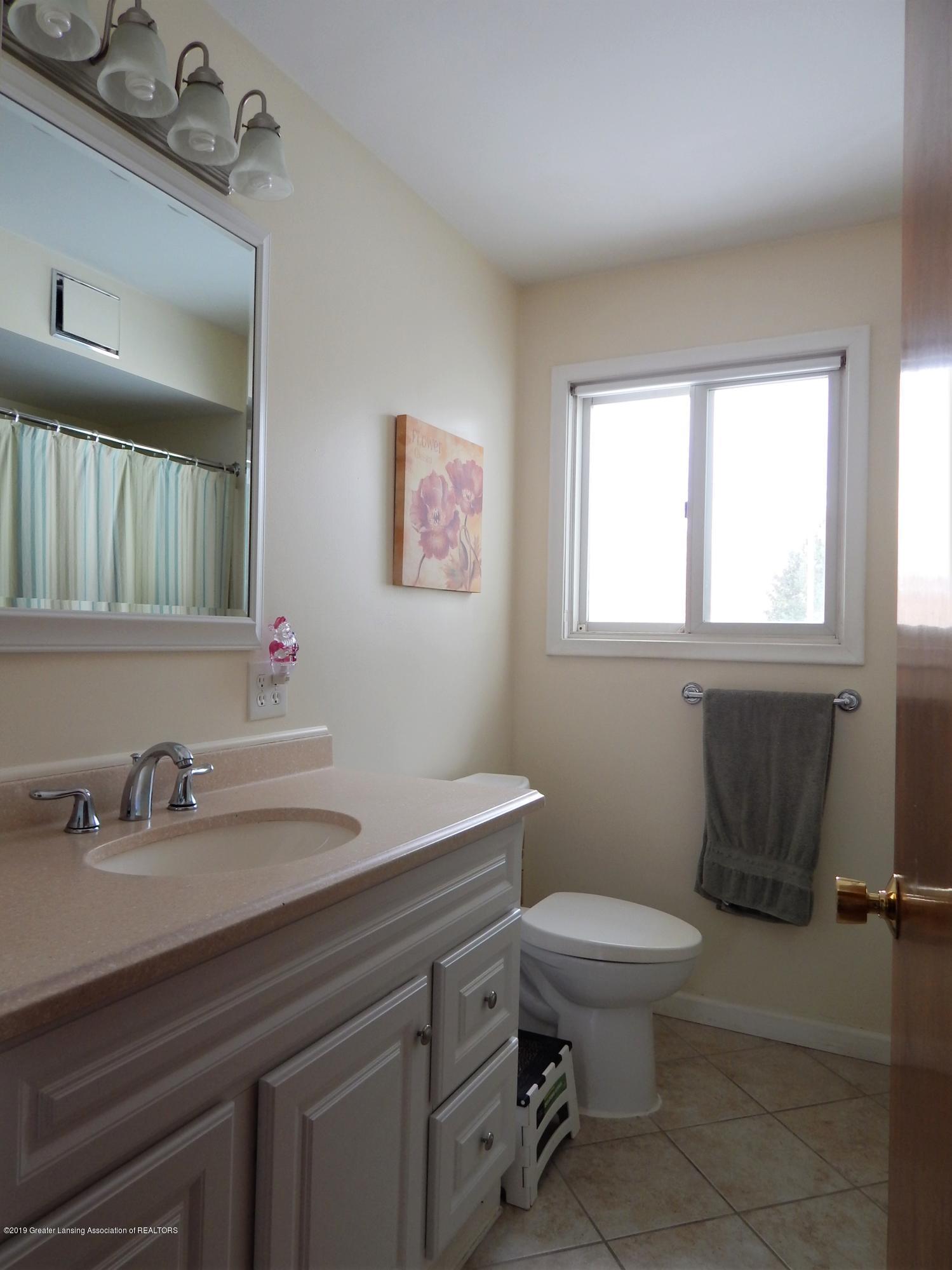 3452 Sharon Way - Full Bath - 21