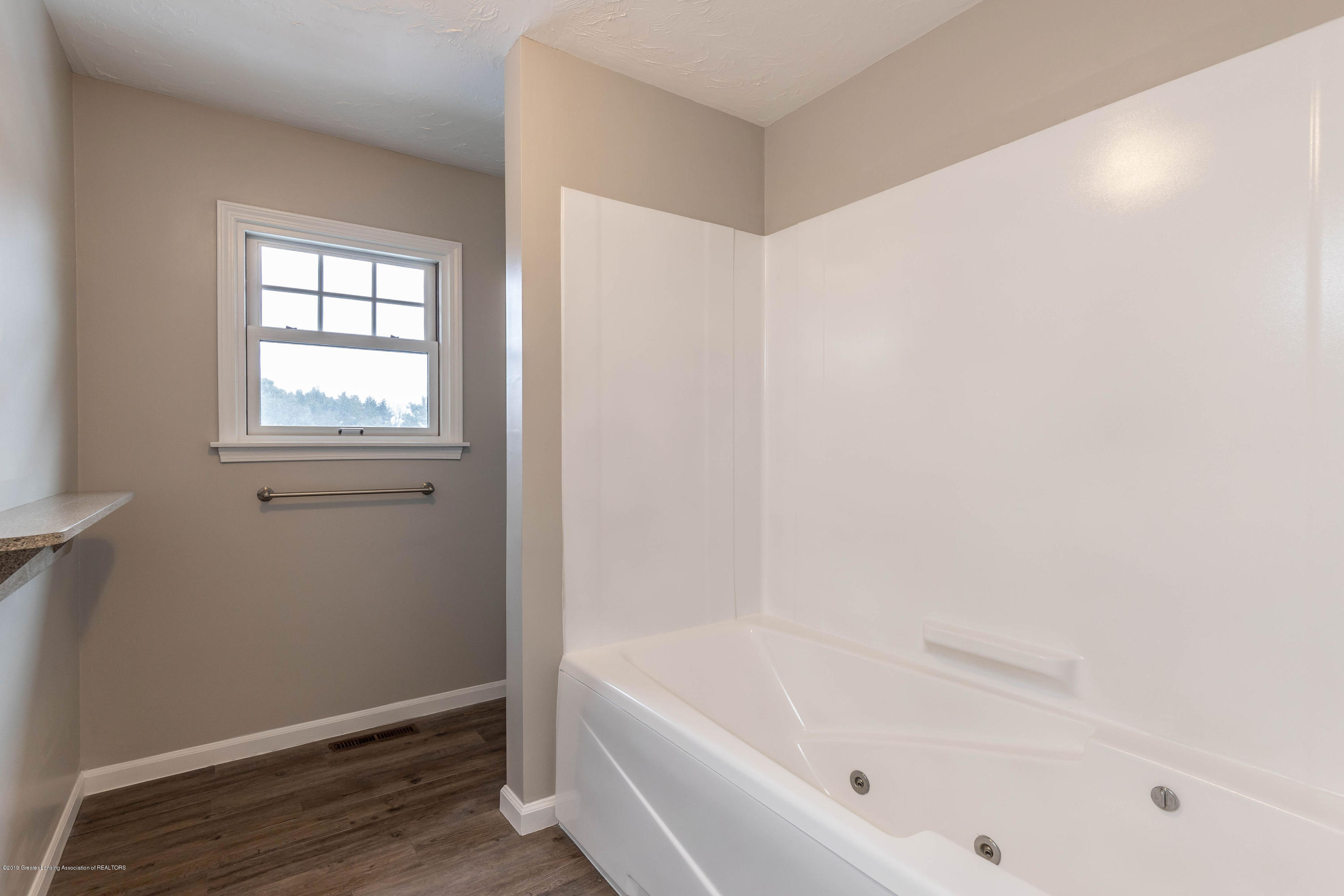 3075 W Mead Rd - meadbath2 - 29