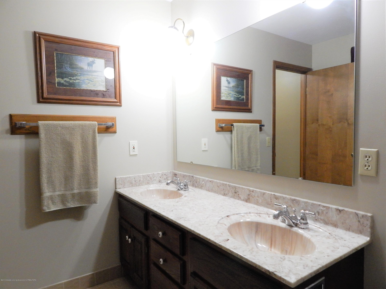 12460 Upton Rd - Bathroom - 32