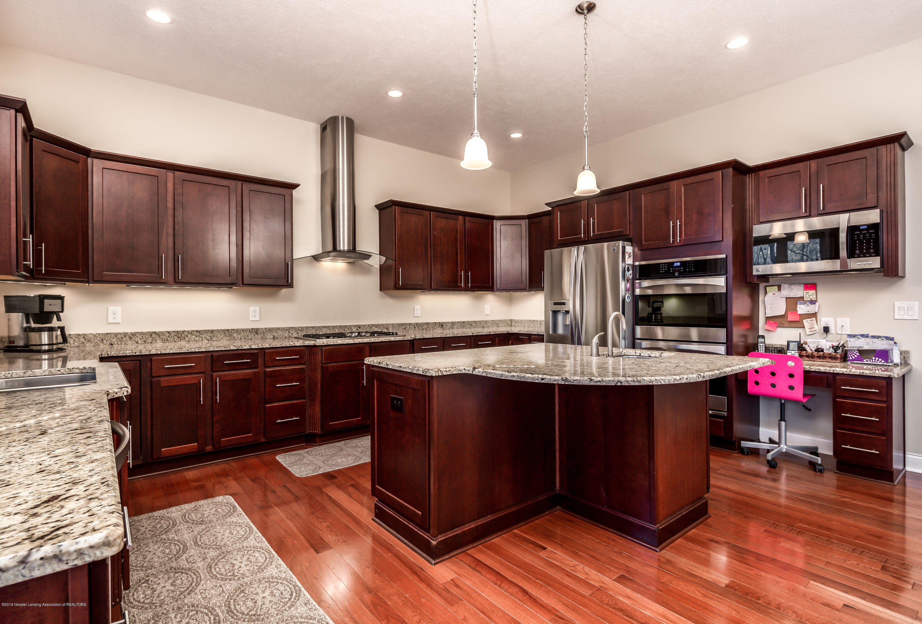 6257 Mereford Ct - 20190426-942A2822-Edit - 12