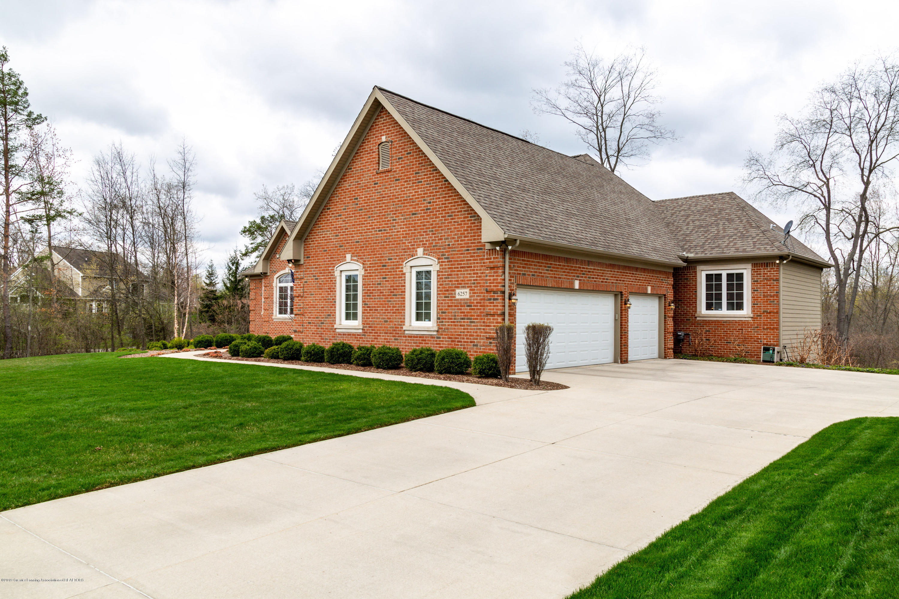 6257 Mereford Ct - 20190426-942A2845 - 46
