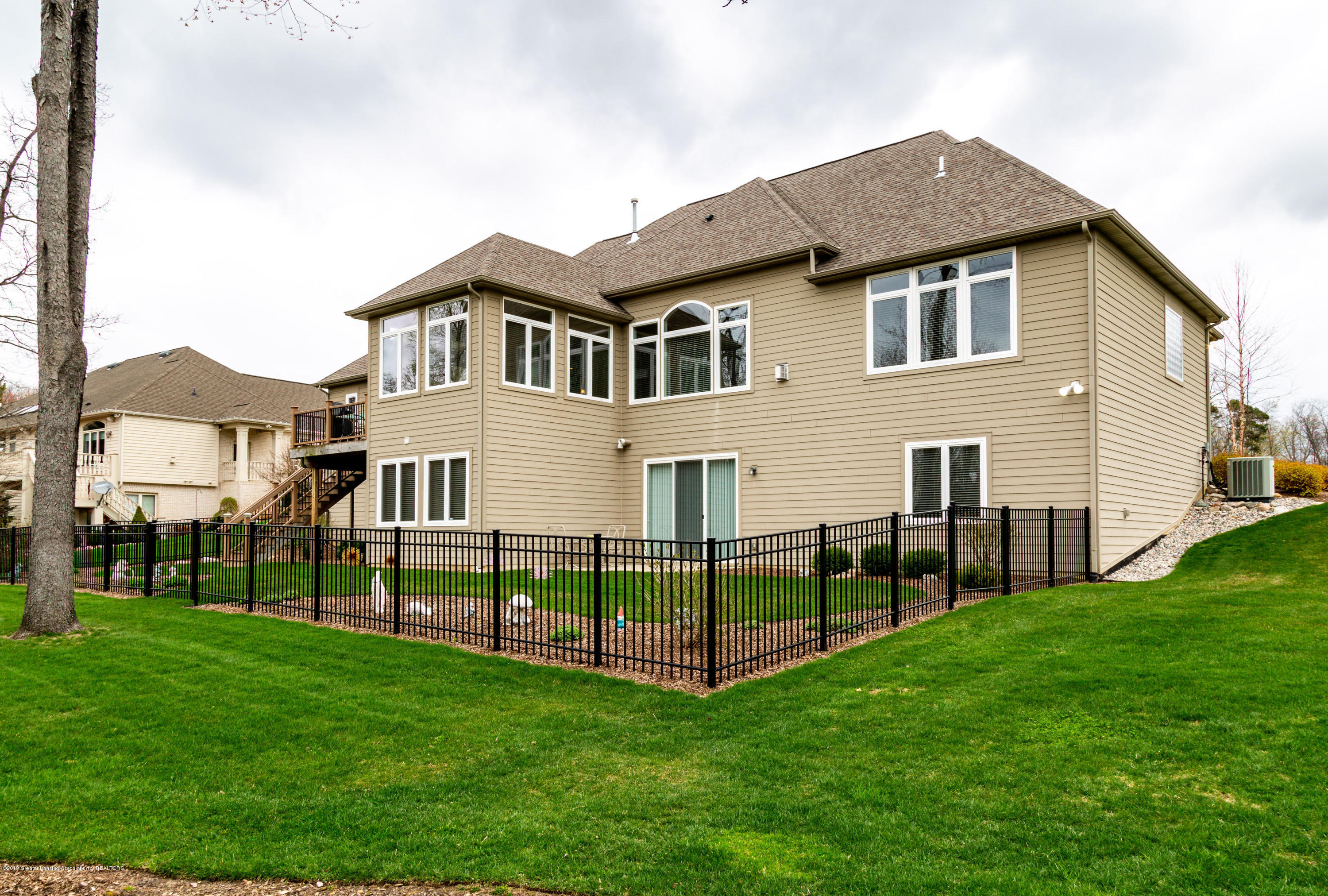6257 Mereford Ct - 20190426-942A2854 - 40