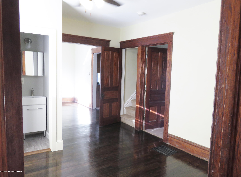 1201 Princeton Ave - Foyer - 13