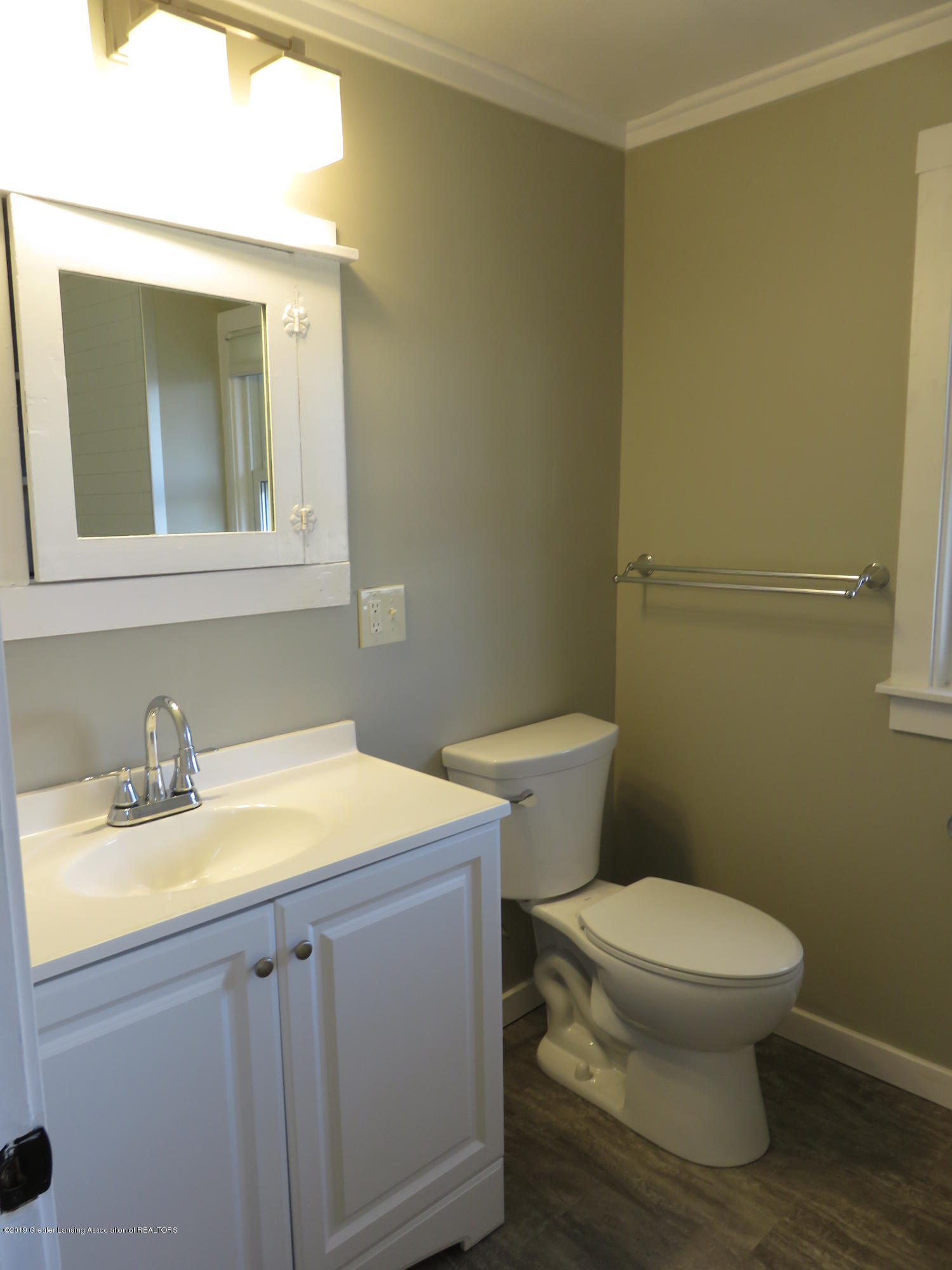 1201 Princeton Ave - Updated Full Bath - 20