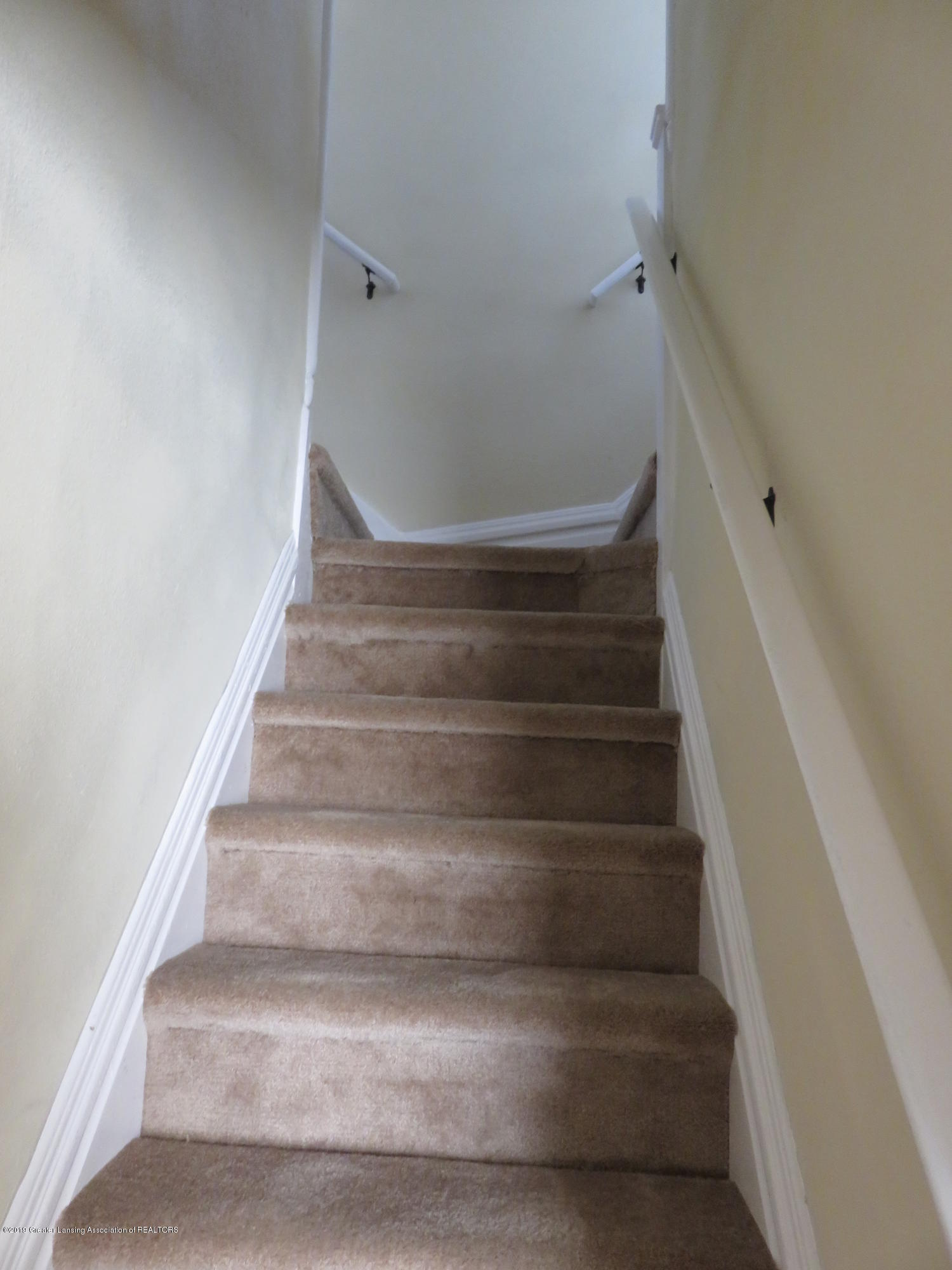 1201 Princeton Ave - Steps to 2nd Floor - 19