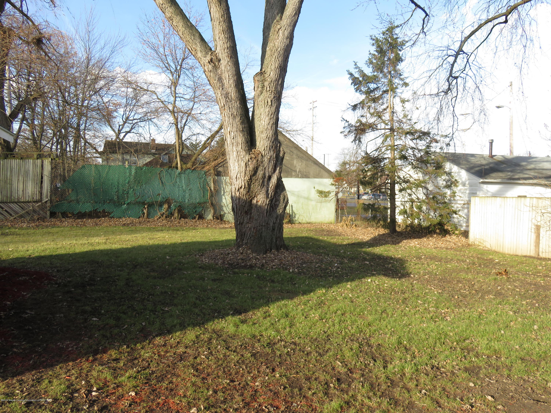 1201 Princeton Ave - Yard - 31