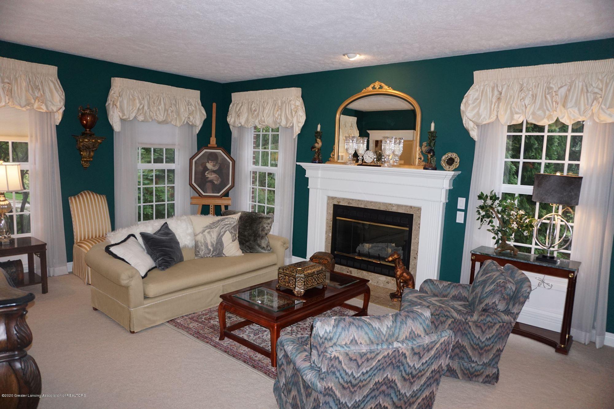 13286 Hide Away Ln - Living Room - 16