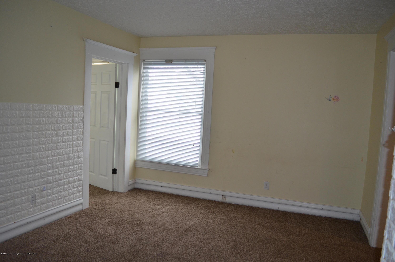 1222 W Ionia St - Livingroom - 8
