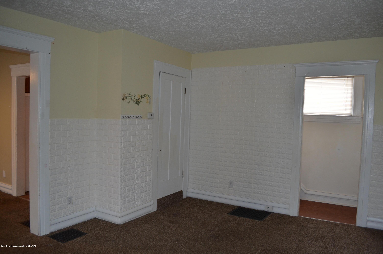 1222 W Ionia St - Livingroom - 7