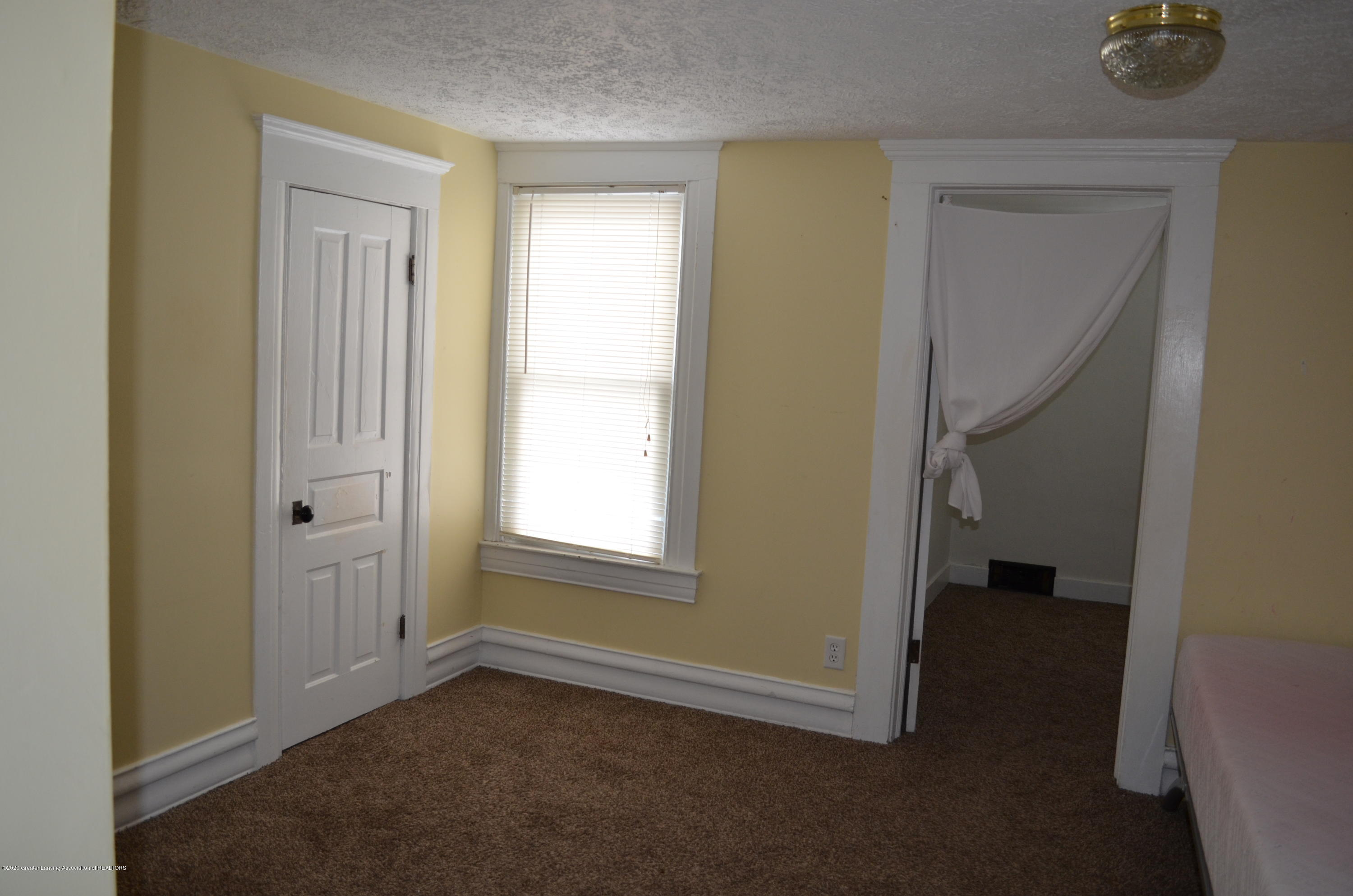 1222 W Ionia St - Master Bed - 23