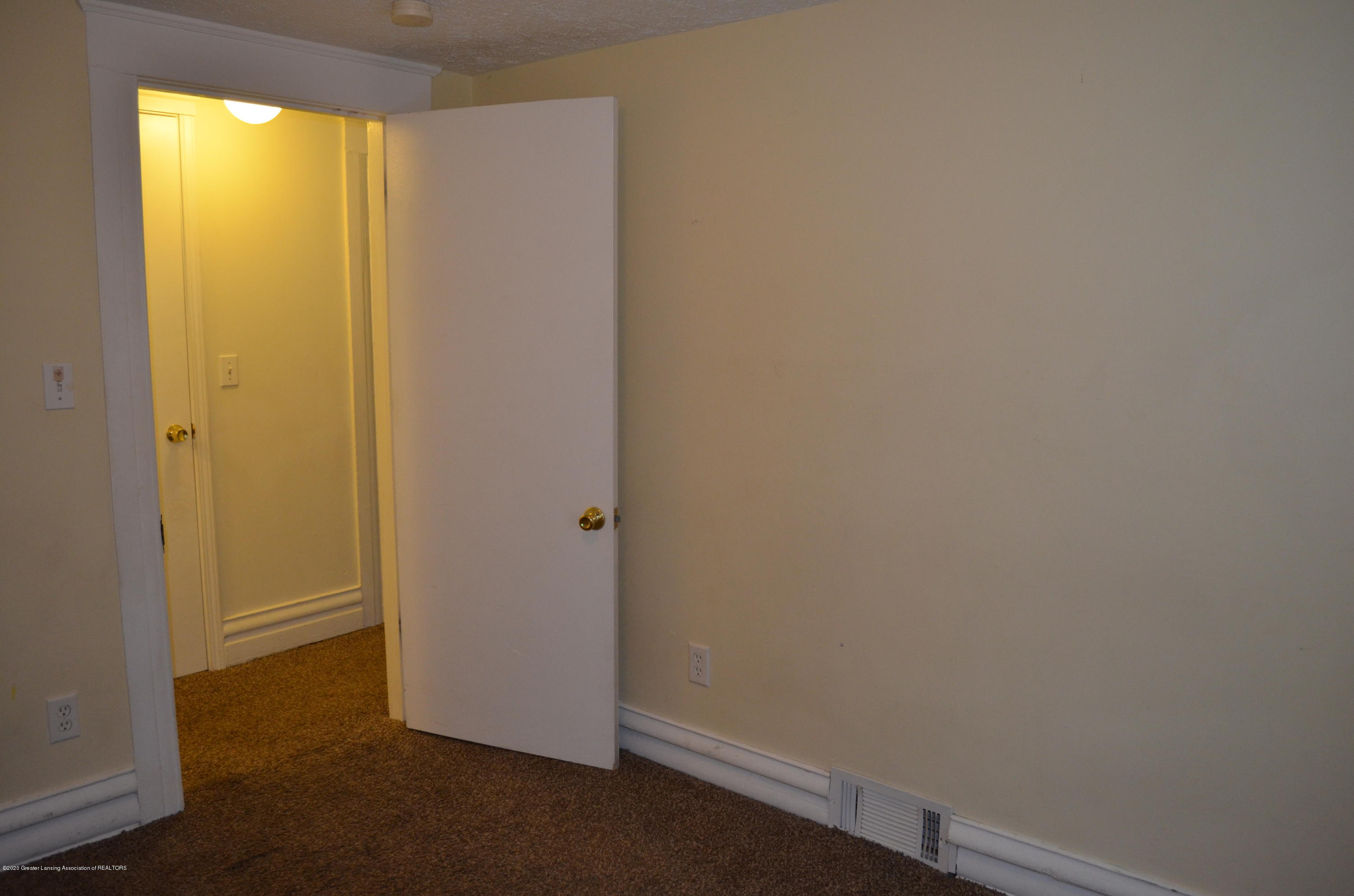 1222 W Ionia St - Bed 2 - 31