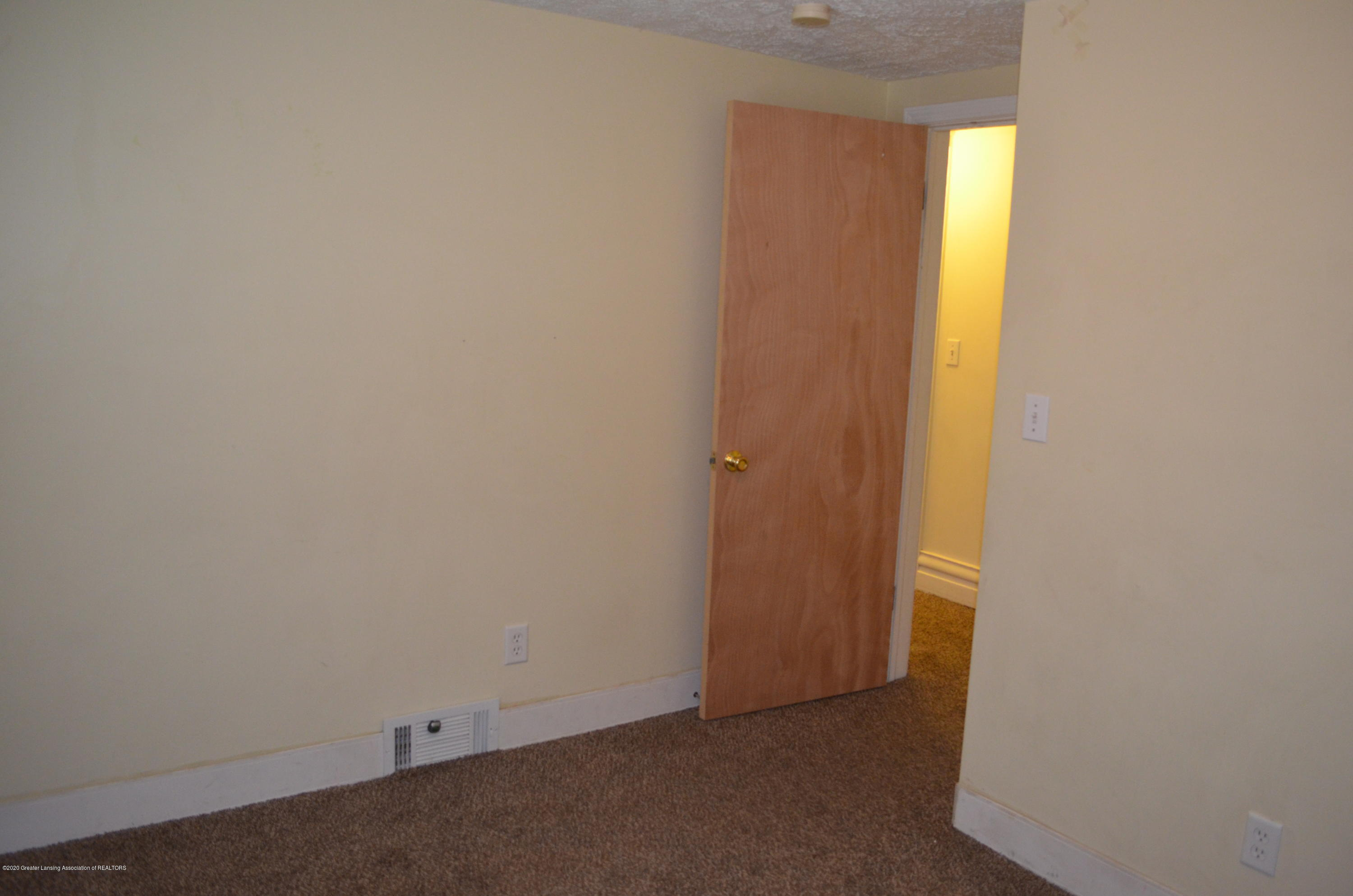1222 W Ionia St - Bed 3 - 34