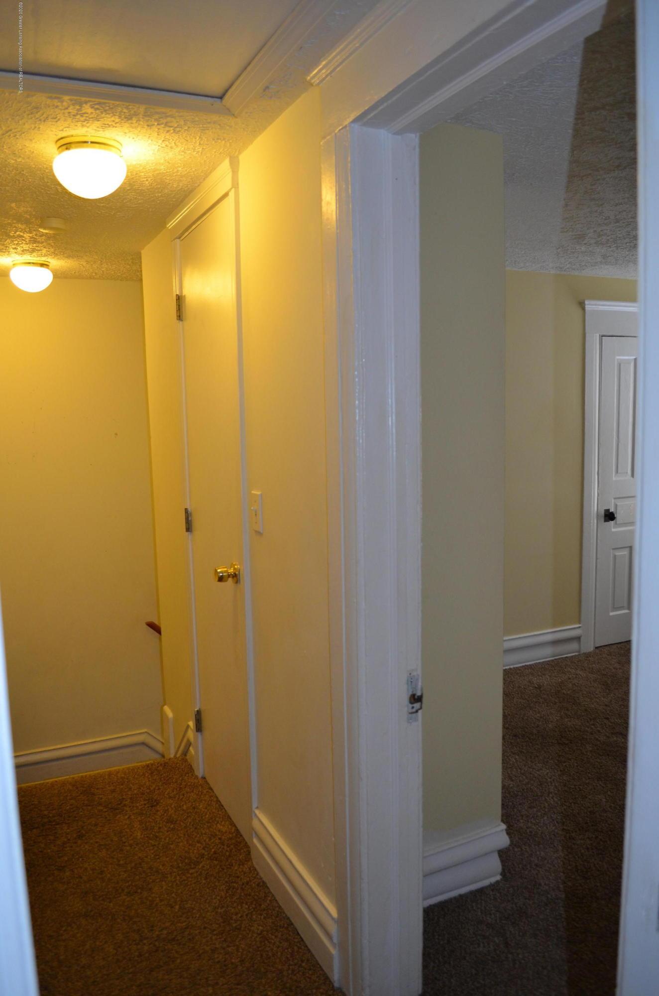 1222 W Ionia St - 2nd Floor Hallway - 20