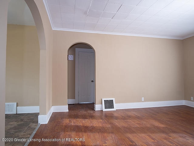 1108 Hapeman St - living_room3_49296754878_o - 3