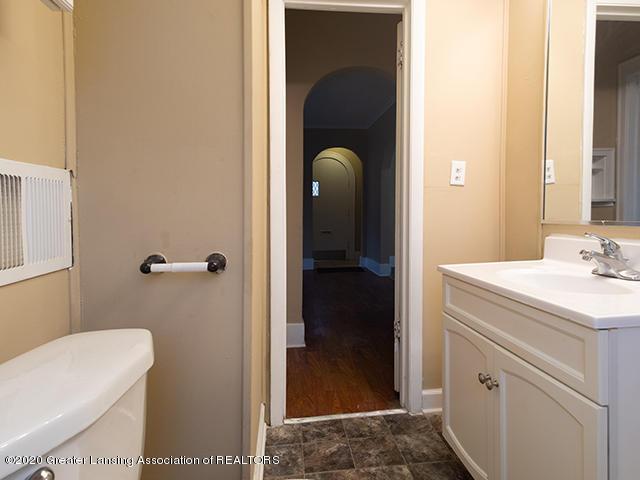 1108 Hapeman St - bathroom_2_49297439887_o - 10
