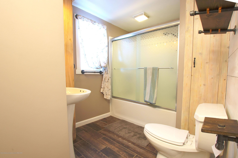 10091 Pioneer Rd - bath 1 - 17