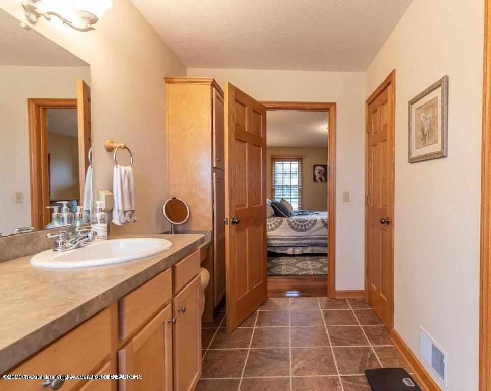 3150 Crofton Dr - Master Bathroom - 38