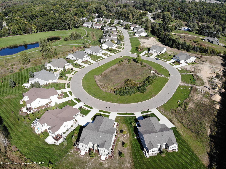 5270 Hawk Hollow Dr E - Cottages aerial 1 - 14