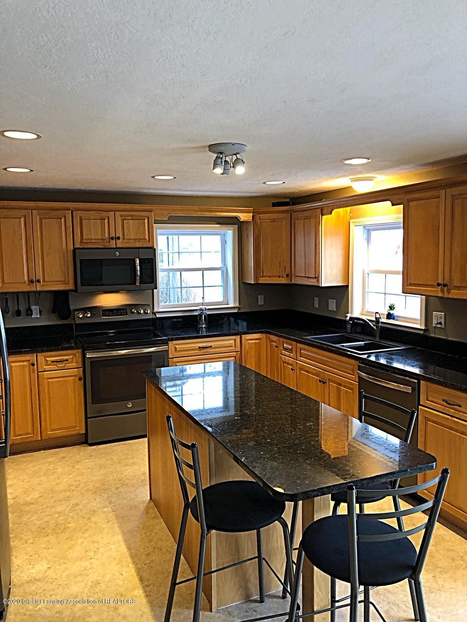 5910 Hickory Hill Dr - kitchen - 4