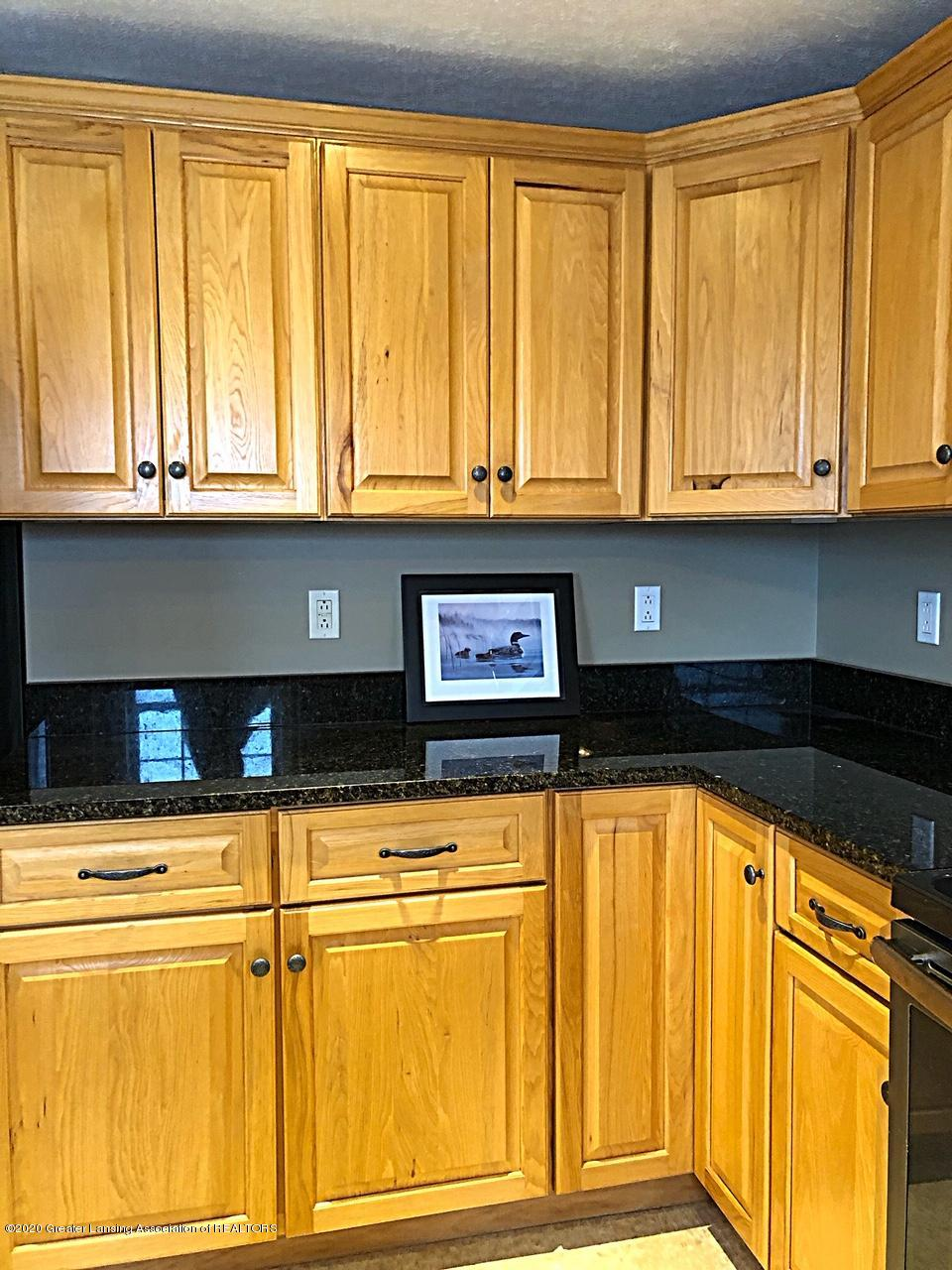 5910 Hickory Hill Dr - kitchen - 7