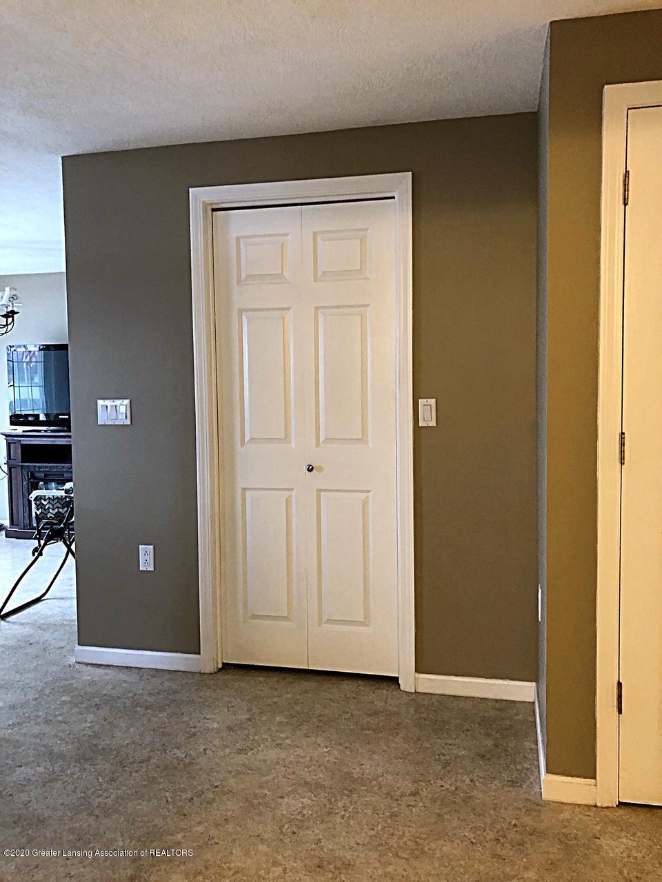 5910 Hickory Hill Dr - pantry closet - 12